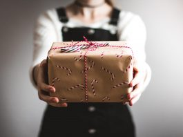 Genius Gifts to Get Someone You Don't Know Very Well